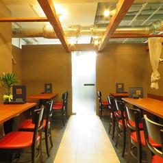 周りを気にせず楽しみたい会社宴会などに最適な空間。