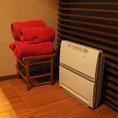 個室には空気清浄機やブランケットをご用意