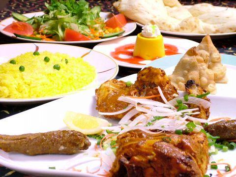 本格的インド料理の店。サラリーマンから家族連れまで大人気♪