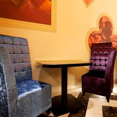 ワンダーランドの舞踏会 2名様用のテーブル席