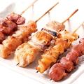 料理メニュー写真焼き鳥盛合せ(タレ・塩) 5本