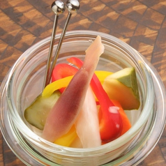 季節野菜の自家製ピクルス