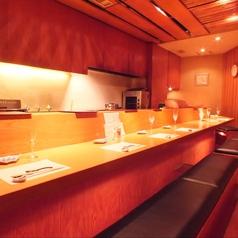 料理長の素晴らしい手さばきを見ながら、ゆったりとしたお時間を過ごせるカウンター席もオススメです!