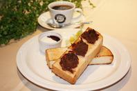 これぞ名古屋のモーニング♪小倉トースト