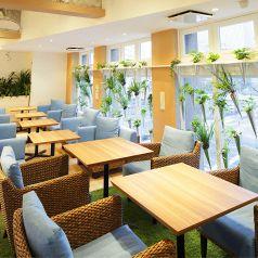4階のテーブル席は、ランチやカフェ使いに◎ゆったりとしているので、寛げます♪