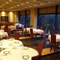 海の都 天王洲ならではの美しい運河の風景をお楽しみいただきながら、重厚でシックな室内装飾をお楽しみいただけるのが「天王洲 天厨菜館」の魅力です。