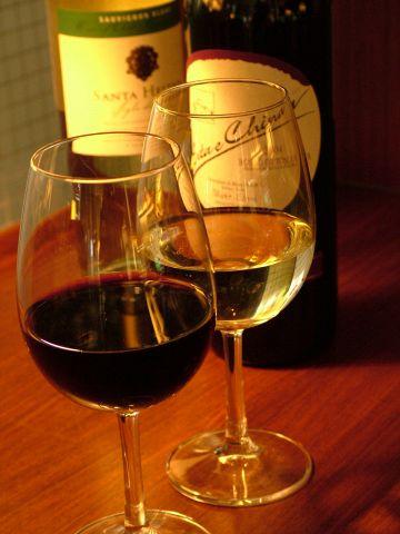 ディナータイムにはお酒とおつまみを楽しめます。