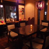 入口左のテーブル席です。(藤井寺 ブラジル シュラスコ 宴会 記念日 食べ放題 飲み放題 オシャレ 2階 ソファ 肉)