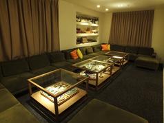 12名様程座れるソファー席は、女子会や各種パーティーにもぴったりです。