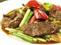 料理メニュー写真ニンニクの芽と牛肉炒め(写真)/ホイコイロー/チンジャーロース/黒胡椒の牛肉炒め