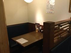 テーブル席も充実。※写真は他店舗です