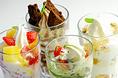 パフェ・フロートも豊富にご用意。興部の牛乳をふんだんに使用したソフトクリームに、フルーツやソースをトッピング。