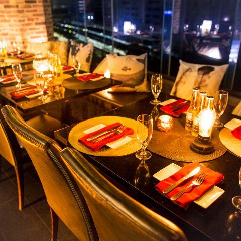 団体様向けの個室もゆったりとした造りで快適に飲み会をご堪能できます。宴会にピッタリな飲み放題付きコースも多数ご用意しております。
