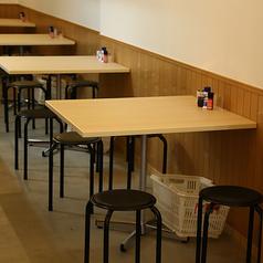 2名から4名様までご利用いただけるテーブル席です!デートでの利用や女子会、仕事帰りに仲間との飲み会などにぴったりです♪