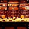 14名様がゆったり入れるVIP個室。大理石のテーブルに、お部屋の調光がお好みで変えれるステージもありちょっと豪華な雰囲気