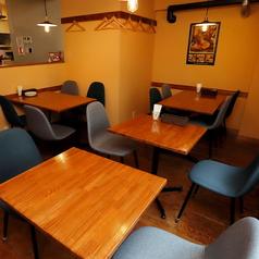 2F4名様用テーブル席 ※人数に合わせてレイアウトをご用意します