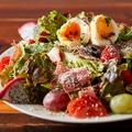 料理メニュー写真自家製ドレッシングが美味い!DINER'Sコブサラダ
