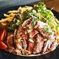 料理メニュー写真大人気!牛ハラミ肉のグリエ フレンチフライ添え