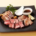 料理メニュー写真肉3種ステーキ盛り合わせ