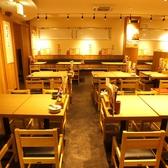 【大船 居酒屋】簡単に席替えできるテーブル席 ※写真は系列店です