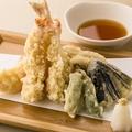 料理メニュー写真魂を込めた天ぷら盛り合わせ