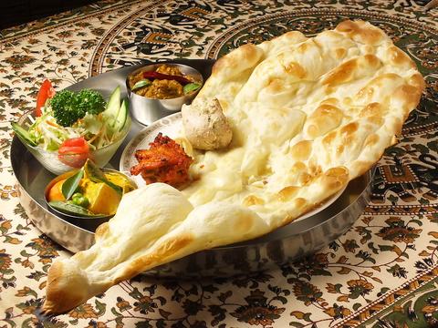 シェフ歴30年◎南インドと北インド両方の味が楽しめちゃう本格インド料理専門店☆