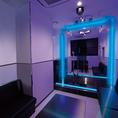 ■スタイリッシュステージルーム■「私だけの光輝くステージ」青×白の光空間で一段と輝かせるライトアップ演出。