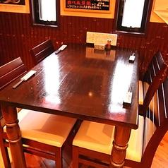 4名テーブル×1卓ございます。河内長野駅から徒歩1分と駅チカなので普段使いから小宴会でのご利用にもピッタリです!