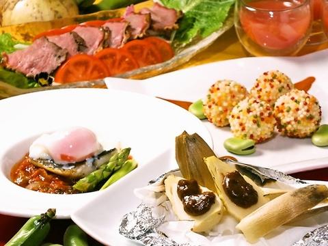 【銀座プレイス3F】新鮮野菜のサラダバーが食べ放題!ランチも毎日11:30~営業中!