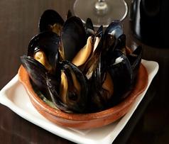 ★おすすめ貝のタパス -特製ムールの白ワイン蒸しー
