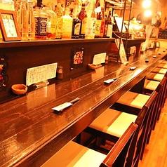 カウンター×8席ございます。お一人様も多いので、河内長野駅にお立ち寄りの際はお気軽にお立ち寄りください。