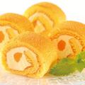 料理メニュー写真マンゴーココナッツロールケーキ
