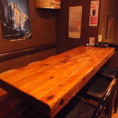 【2階フロア】6名様用のテーブル席。