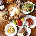 こだわりのお肉を、じっくりと焼き上げた逸品。品質にこだわったお肉をリーズナブルにご堪能。幅広い世代の方々に人気です!