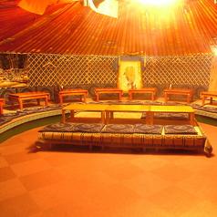 【席の間にビニールカーテン仕切り設置済み】デート、誕生日、記念日のご利用大歓迎!モンゴルのゲルの中★