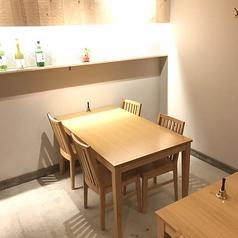 4名様でご利用いただけるテーブル席です。