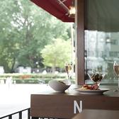 日曜日も営業しております。新宿御苑にお越しの際は、ぜひお立ち寄りくださいませ。新宿御苑新、宿門から見える開放的なスペインバルです。ランチからディナーまで幅広く営業しております。