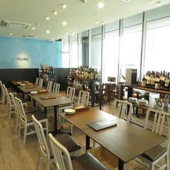 炭火とワイン 巴里食堂の雰囲気1