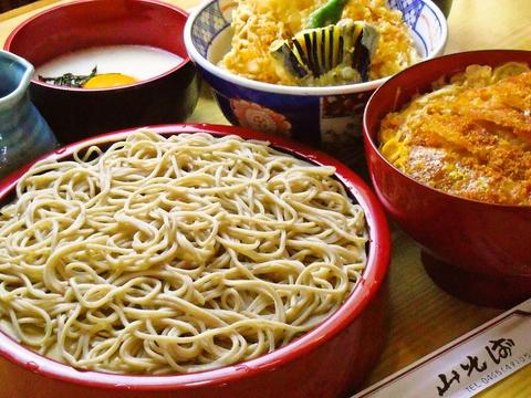 十勝産のそば粉使用、日替わり定食、地元の魚介の味を楽しむことができるお店。