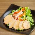 料理メニュー写真蒸し鶏の和風サラダ