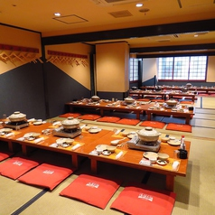 日の出本舗最大の魅力大宴会個室!!最大120名様まで対応可能な空間。個室料金、宴会場貸切料金は発生しないので人数に限らずまずはご相談ください♪