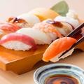 料理メニュー写真にぎり寿司  8種