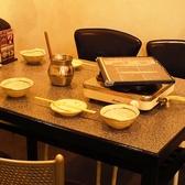 1Fテーブル席♪広めの感覚でゆったり寛げます!!1Fなら焼肉も楽しめます!!