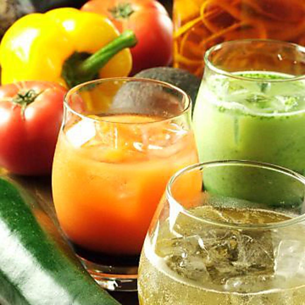 ほうれん草、トマト…野菜を使ったアレンジ野菜カクテルが大人気![飲放]に込み★