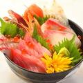料理メニュー写真海の幸たっぷりの海鮮丼