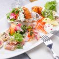 料理メニュー写真季節の魚介5種のカルパッチョ&前菜盛合せ