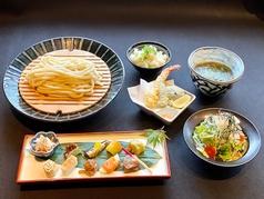 うどんと和食 とらやの写真