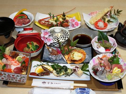 現役漁師が獲る近海の海鮮と、九州各地の厳選素材を使った料理が自慢のお店。