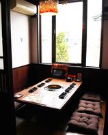 トークやお箸もすすむ、大小個室♪
