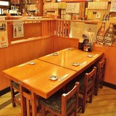 【テーブル席】最大6名様までお座り頂けるテーブル席です。仲間とワイワイ楽しく飲めるお席です!